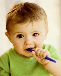 宝宝长牙前后需要注意什么